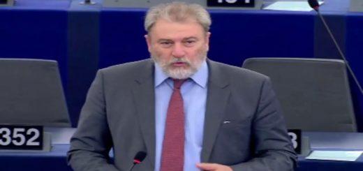 Les mandats d'arrêt d'INTERPOL notices rouges débat