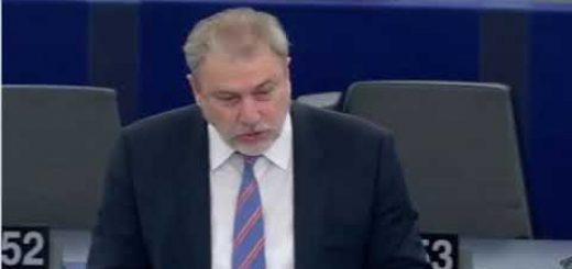 Interdiction, à l'échelle de l'UE, des symboles et slogans nazis et fascistes débat
