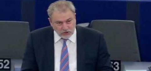 Divieto a livello dell'UE relativo a simboli e slogan nazisti e fascisti discussione
