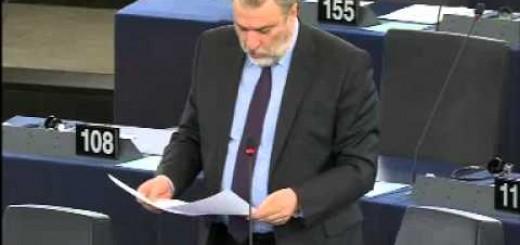 Νότης Μαριάς σε  Γιούνκερ: Πάρτε το απόφαση θα το πιείτε το πικρό ποτήριο στις προσεχείς εκλογές στην Ελλάδα.