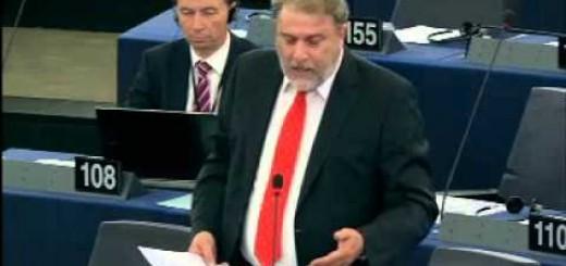 Τα έψαλε χοντρά χθες στην Ευρωβουλή ο Νότης Μαριάς στον Επίτροπο Γεωργίας για το ρωσικό εμπάργκο.