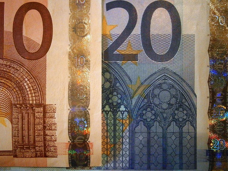 money-208567_960_720
