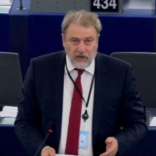 Εφαρμογή του κανονισμού (ΕΕ)2017/458 όσον αφορά την ενίσχυση των ελέγχων στα εξωτερικά σύνορα με χρήση οικείων βάσεων δεδομένων (συζήτηση)